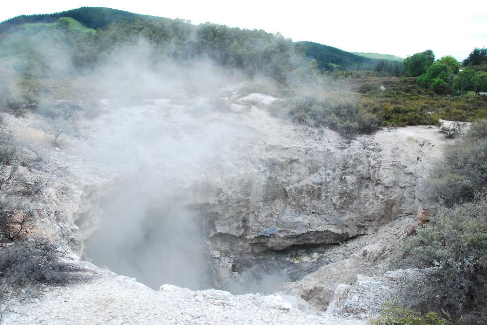 Cratère fumant à Rotorua