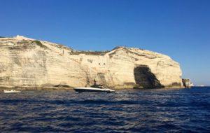 Falaises de Bonifacio du ferry pour les îles Lavezzi