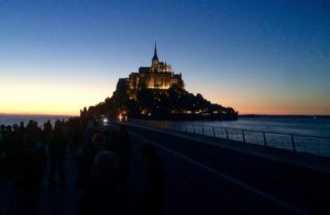 Le Mont-Saint-Michel illuminé, de nuit