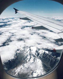 Vue de la fenêtre d'un avion de tuulavintage