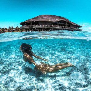@marisahampe nage sous l'eau