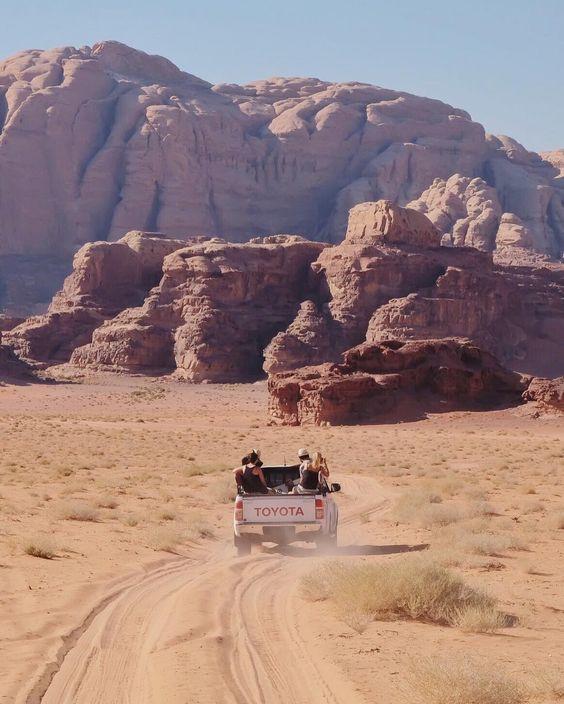Van road trip par @travelmehappy