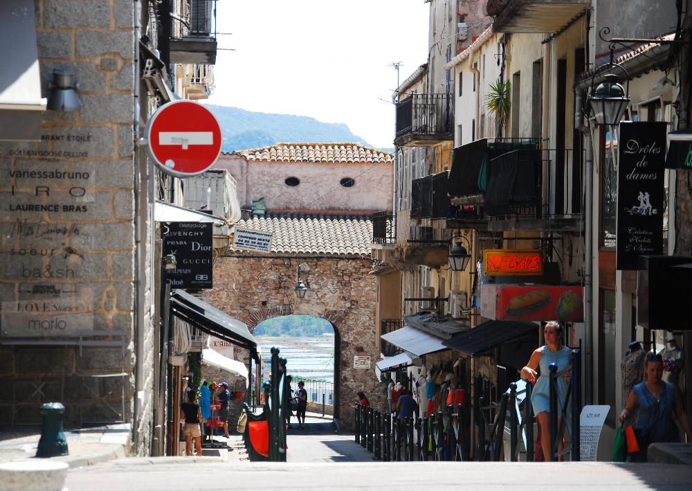 Rue de Porto-Vecchio en Corse