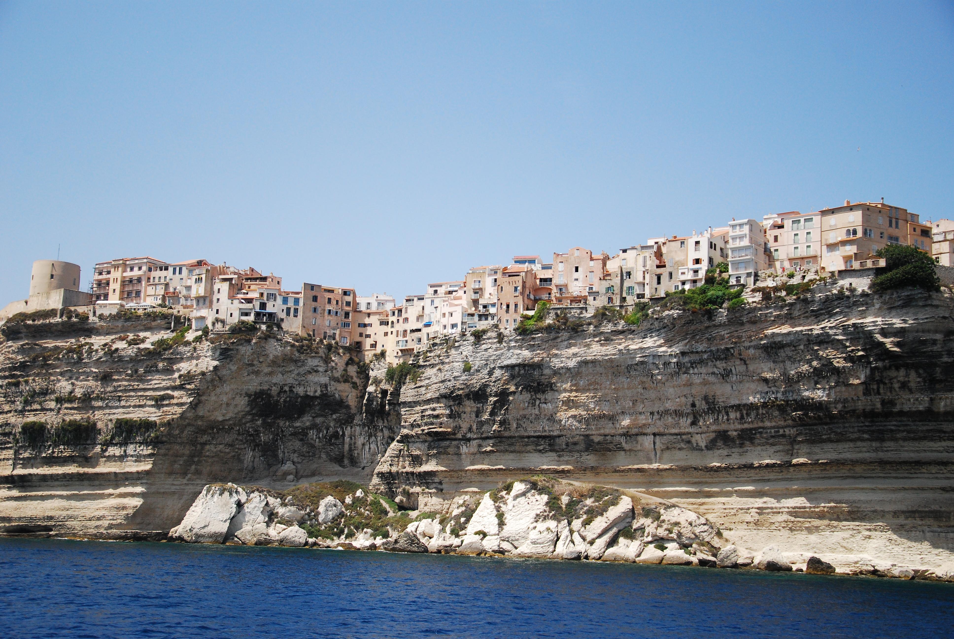 Visiter Bonifacio et les îles Lavezzi en Corse